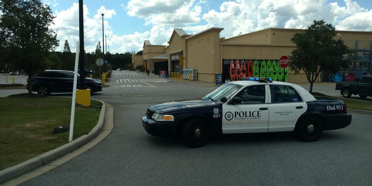 Columbus police investigate bomb threat called into Walmart on Gateway Rd.