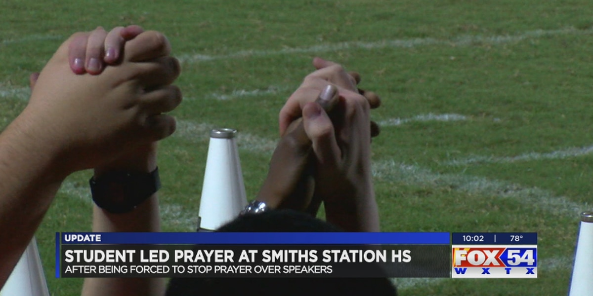 Student prayer line held before Smiths Station high school football game despite backlash
