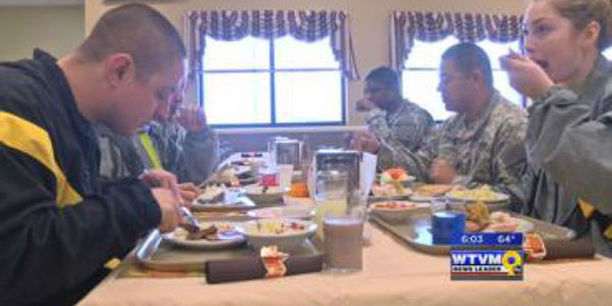 Soldiers enjoy Thanksgiving feast early on post