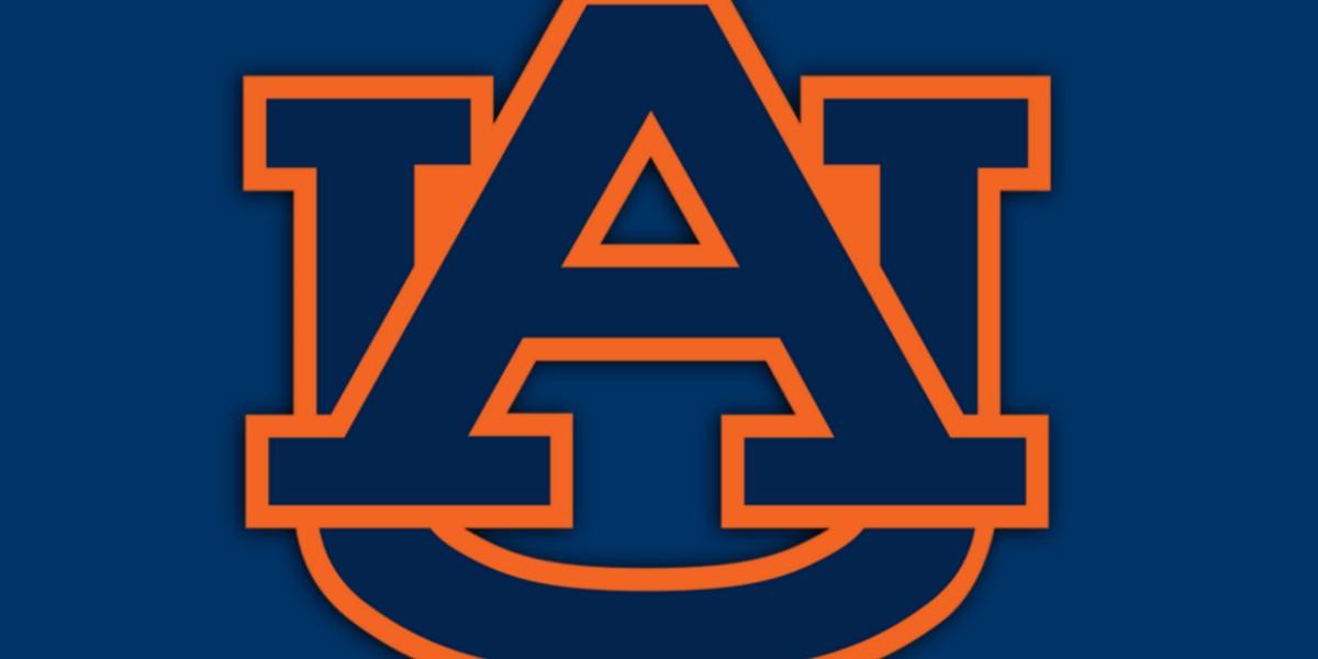 Auburn dominates Kansas to make it to Sweet 16