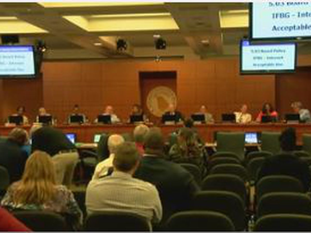 Muscogee County School Board sets new guidelines for board members' online behavior