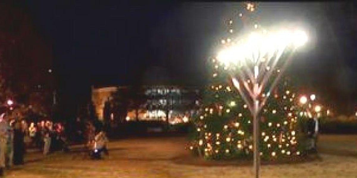 Auburn welcomes the holidays with Christmas tree, menorah lighting