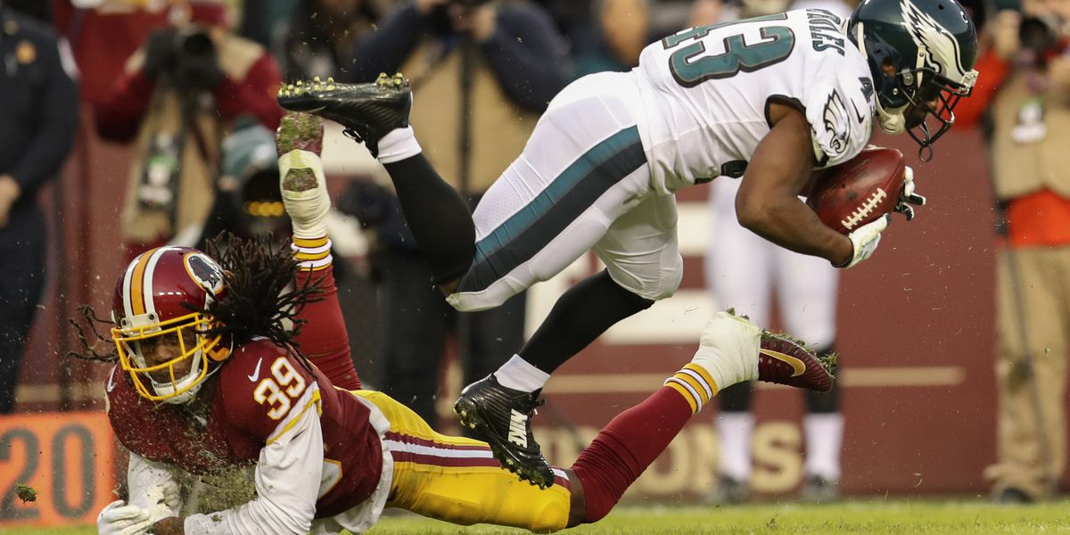 Foles leads Eagles past Redskins 24-0, into playoffs