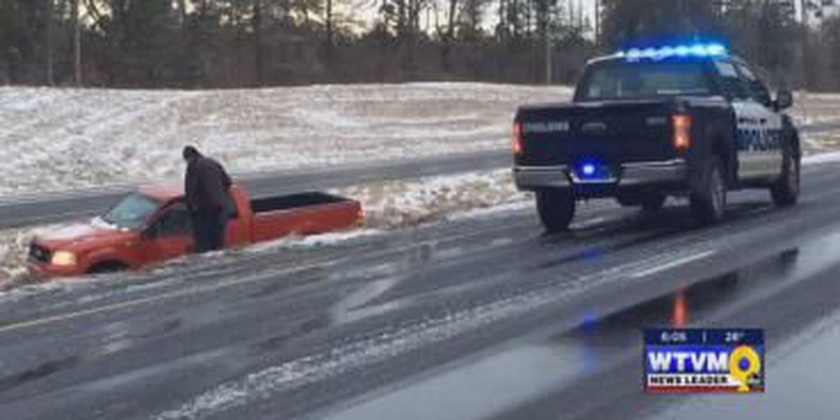 News Leader 9's Mobile Alert Center crew helps stranded drivers