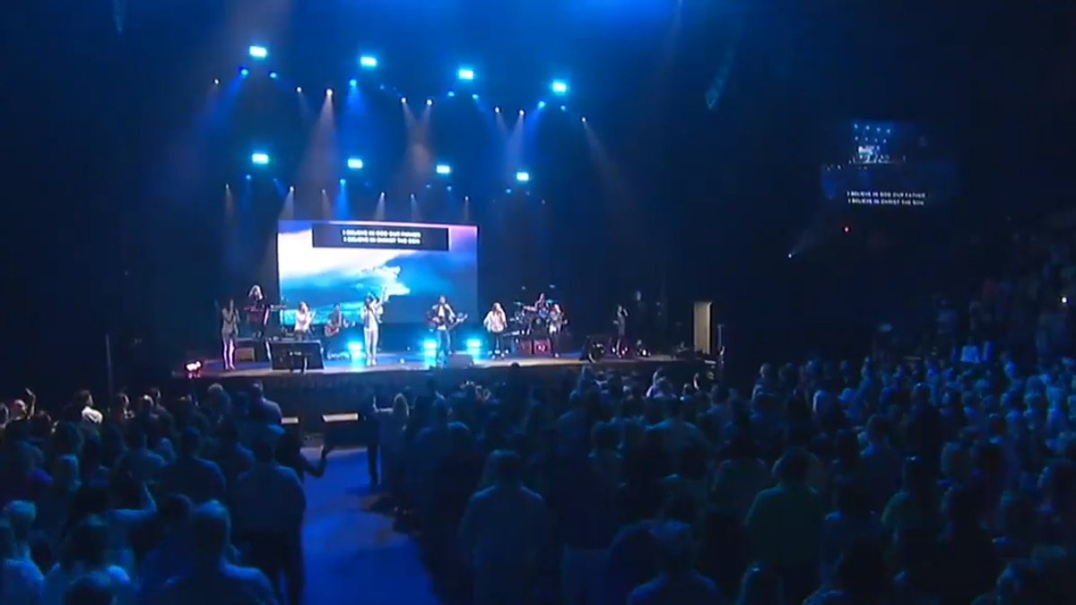 Cascade Hills Church attracts thousands with special Easter Sunday service