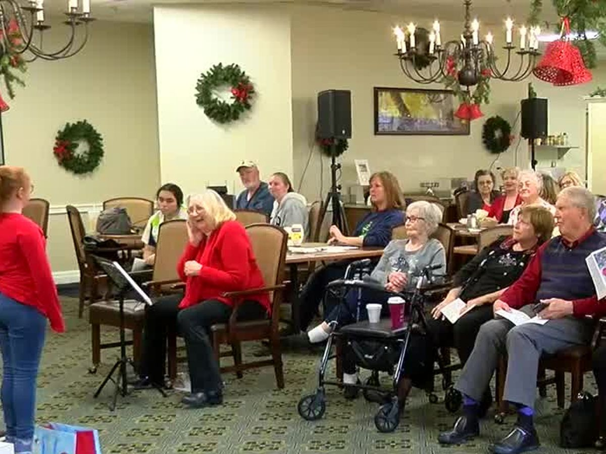 Covenant Woods residents and kids present 'Colors of Christmas' musical