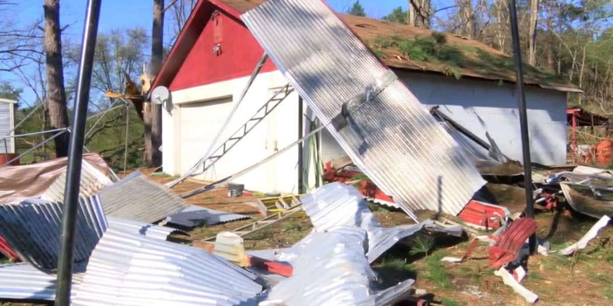 North Columbus residents say 'it's a miracle' no one was hurt after storm damages homes