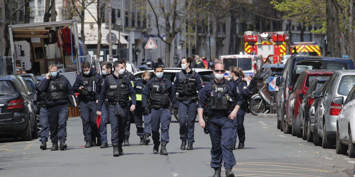 Paris police hunt for gunman who killed person near hospital