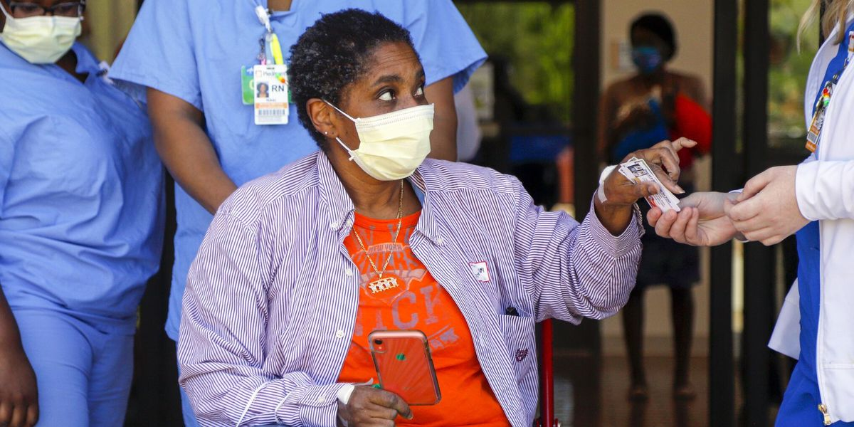 Applause, staff fill the halls as COVID-19 survivor discharged from PCR
