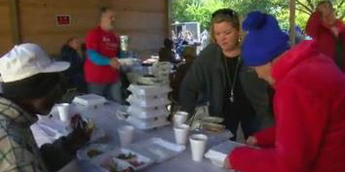 Outreach ministry provides Thanksgiving meals for Columbus community