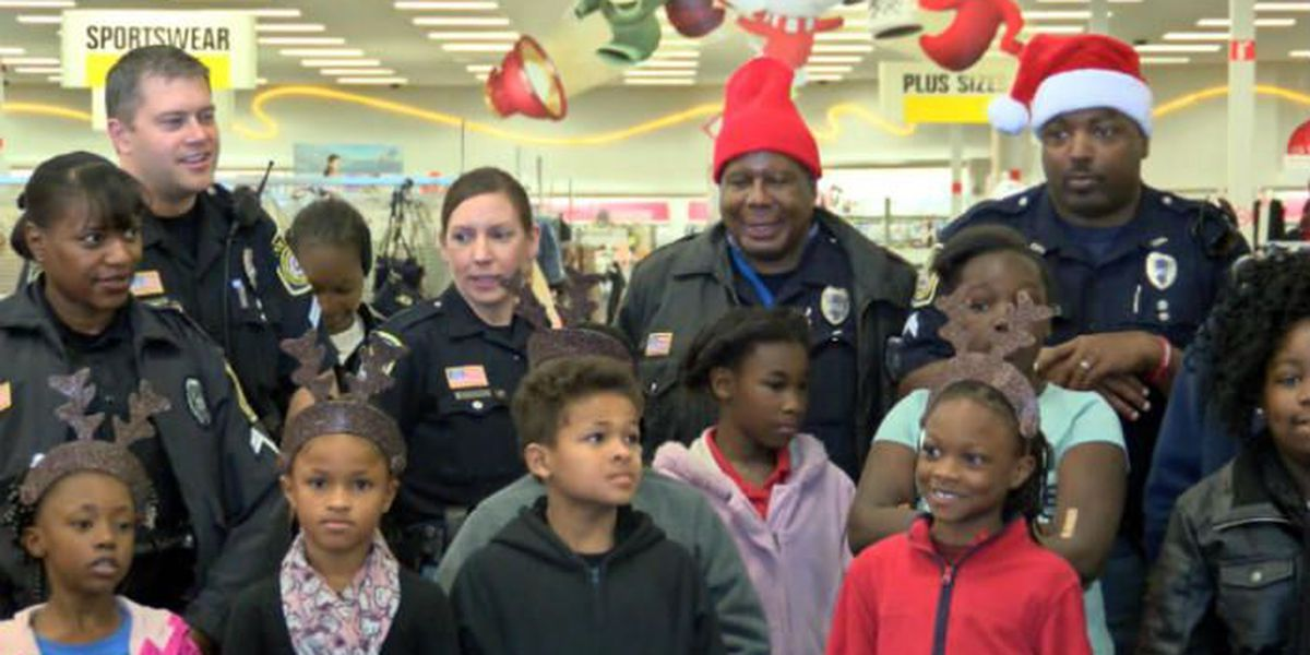 CPD take children in need on Christmas present shopping spree