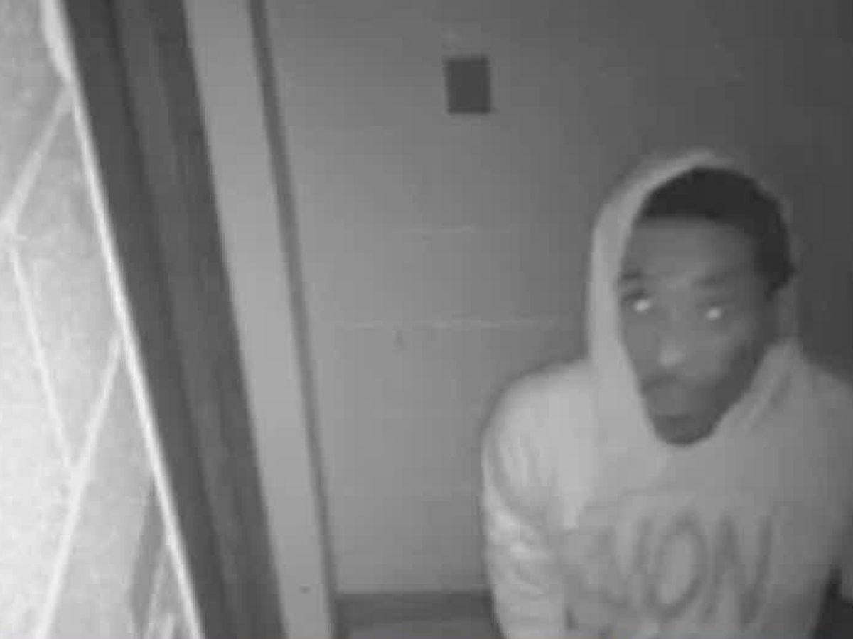 Columbus police searching for church burglar