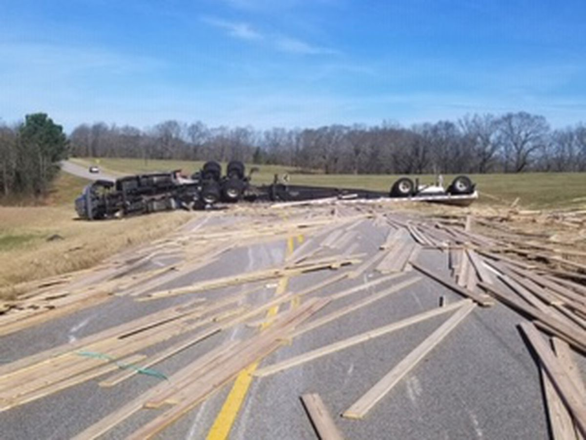 Tractor trailer carrying lumber overturns on Hwy 51 in Bullock County