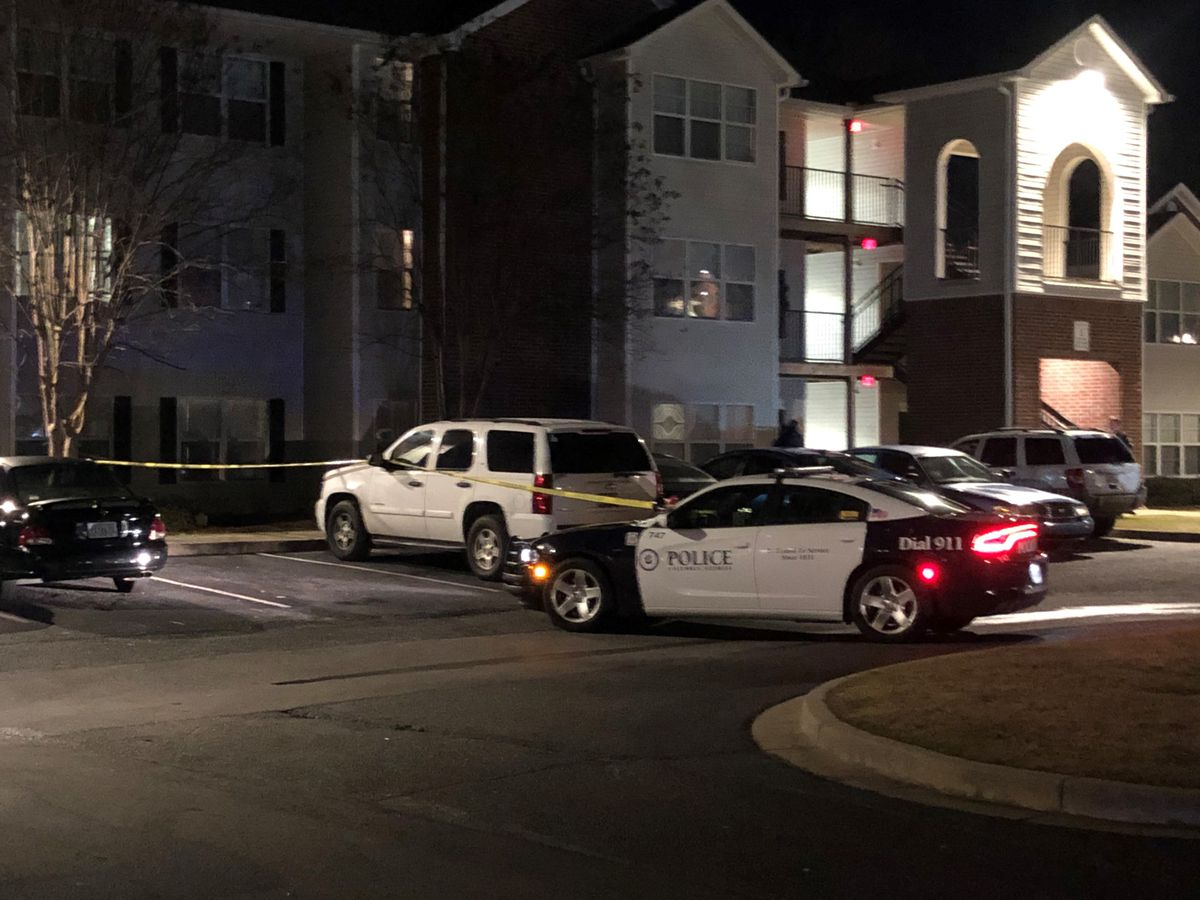 Columbus police investigate shooting at apartment complex on N. Lumpkin Rd.
