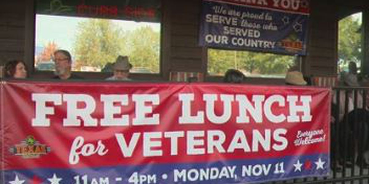 Texas Roadhouse in Columbus honors veterans with free lunch