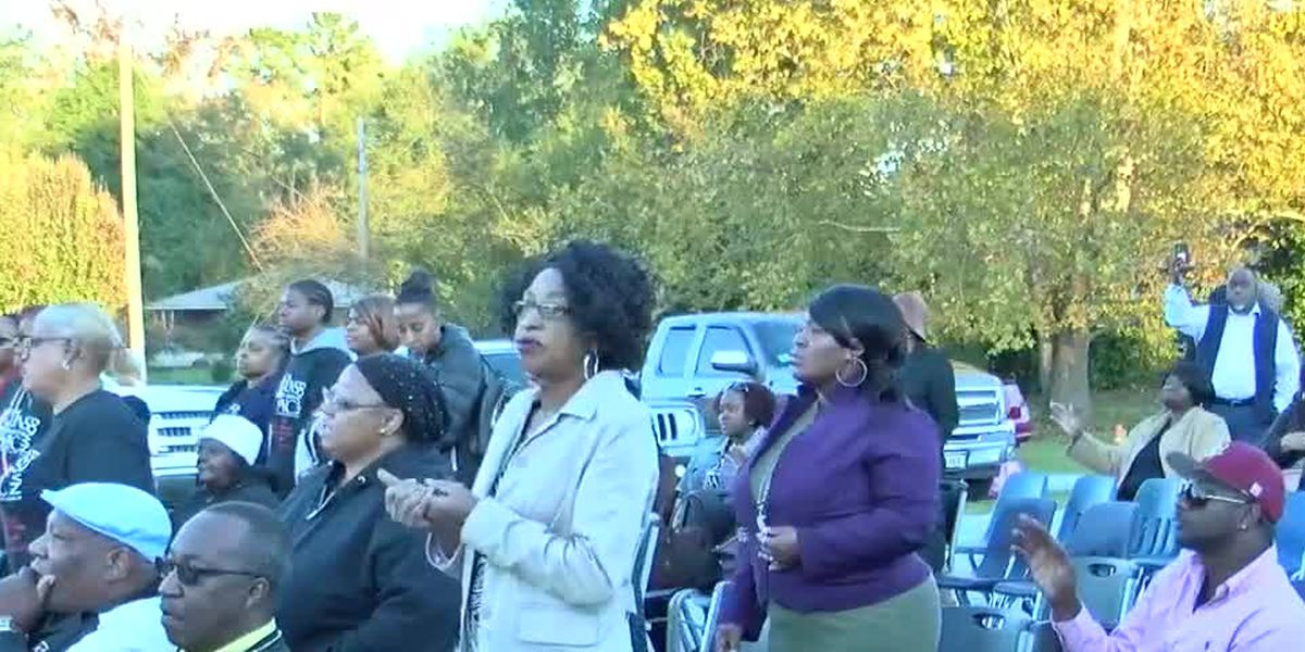 "Victory over Violence: Local Columbus church hosts a night of prayer to ""put the guns down"""