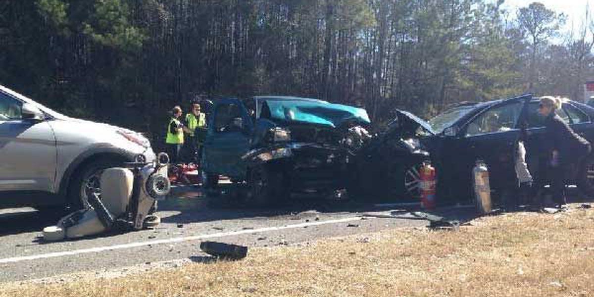 Multi-car accident in Auburn leaves 1 dead