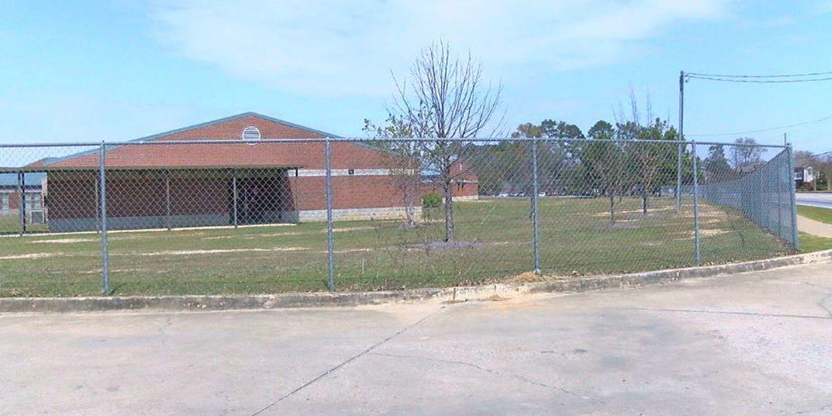 Student arrested for bringing knife to Baker Middle School