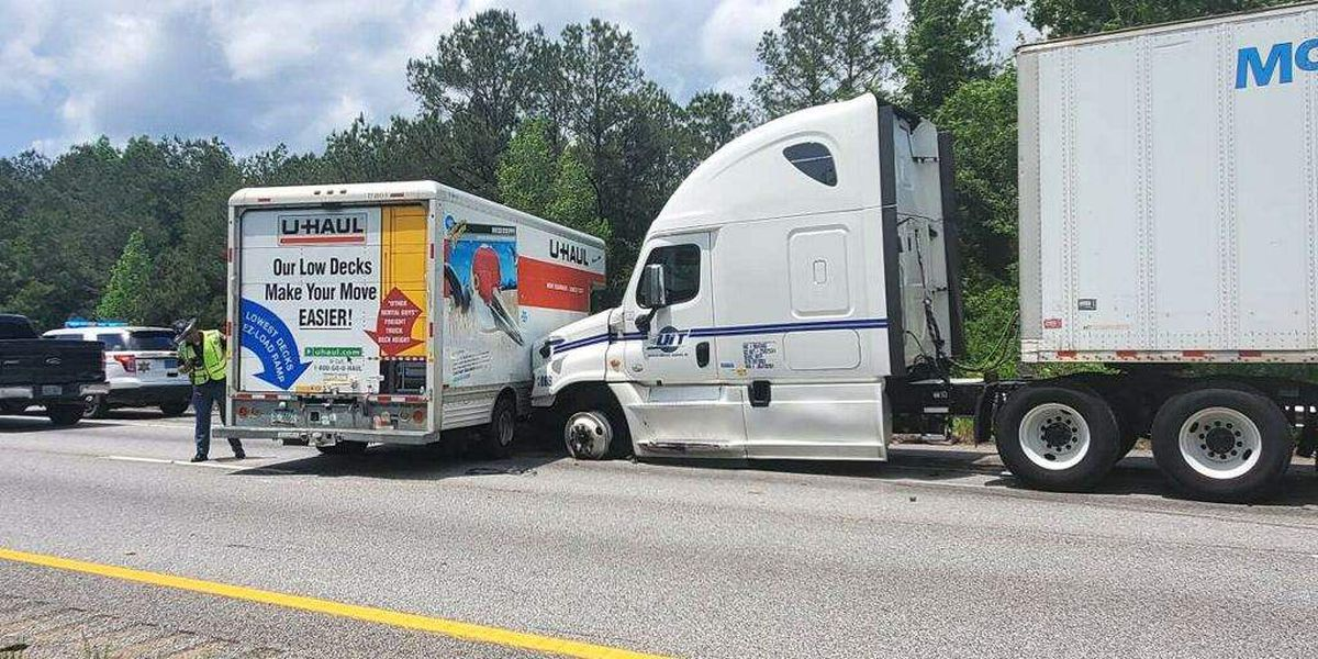 Two-vehicle crash leaves one lane blocked on 1-85 in Macon Co.