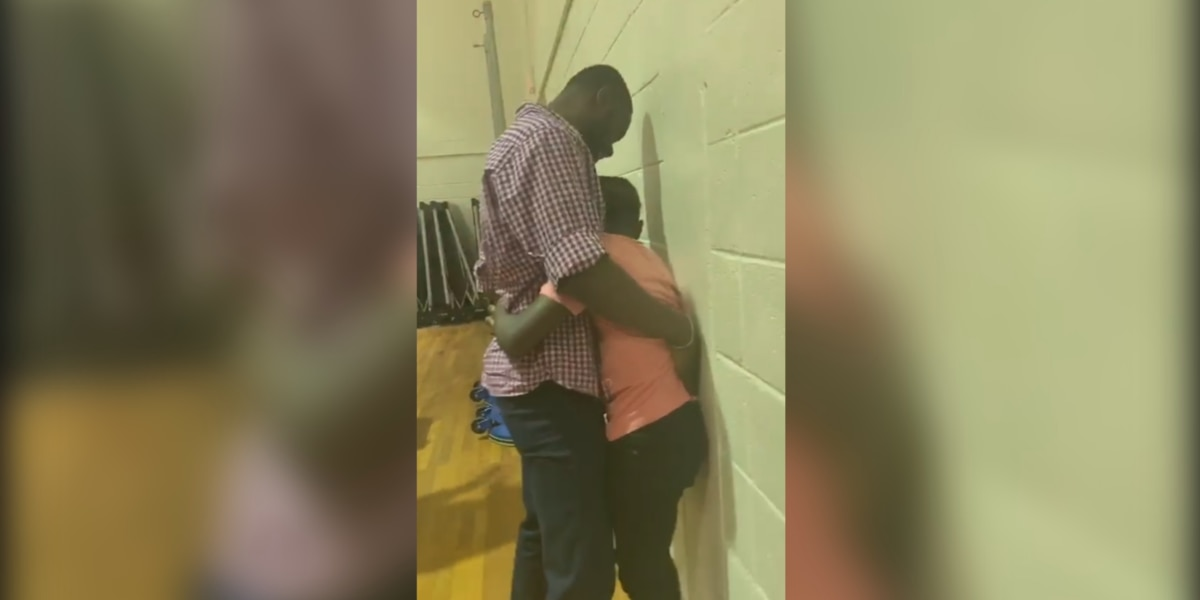 Auburn middle schooler surprised when soldier father returns home months early
