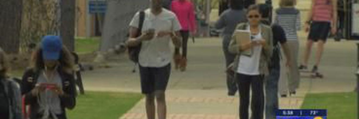 VIDEO: Scammers targeting college students as classes resume