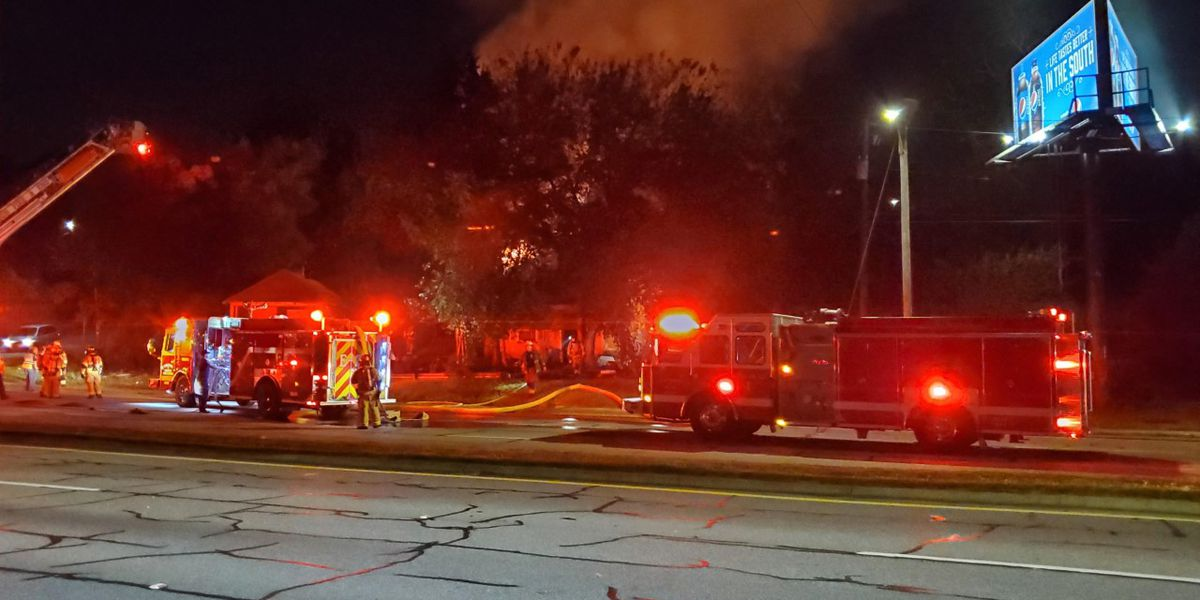 Columbus fire crews battling structure fire on 5th Ave.