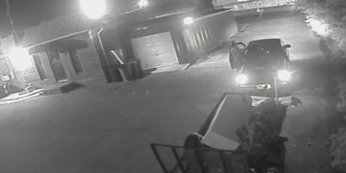 Phenix City police searching for trailer theft suspect