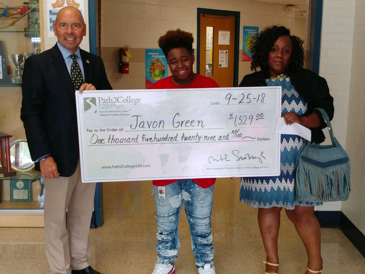 Richards Middle School student wins over $1k towards college savings