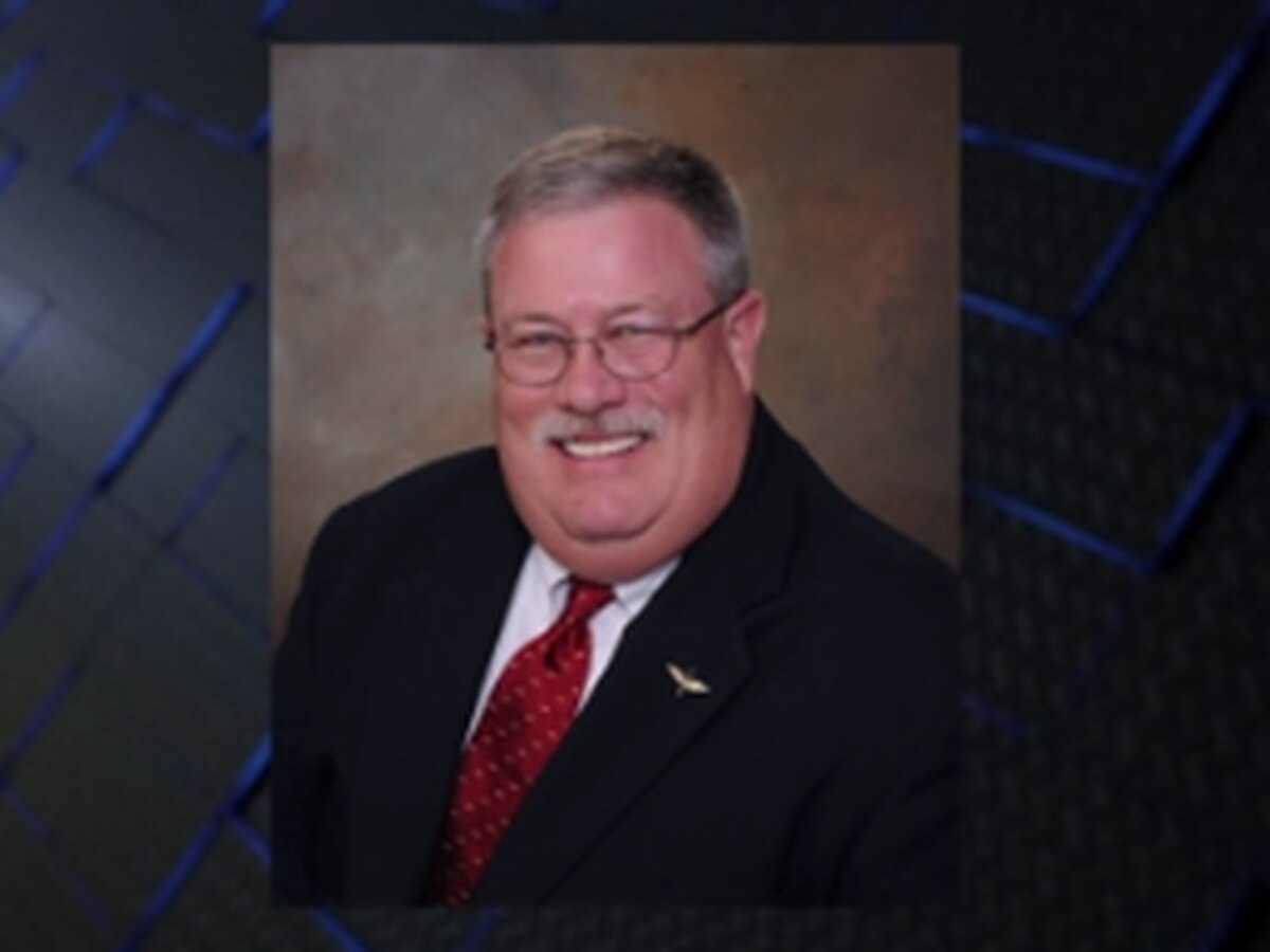 Lee County community mourns the loss of commissioner to COVID-19