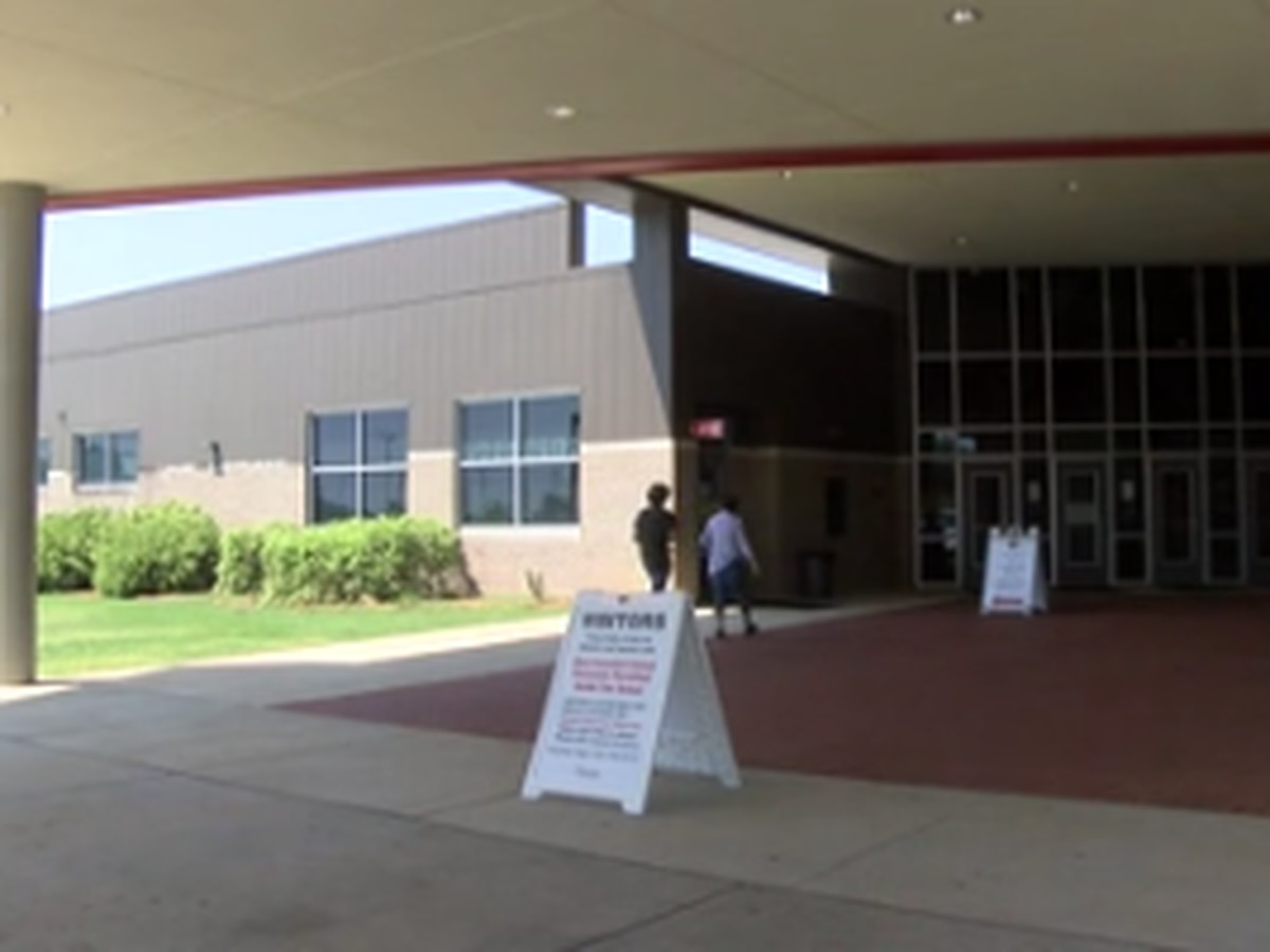Opelika City Schools welcomes students back for first day of school
