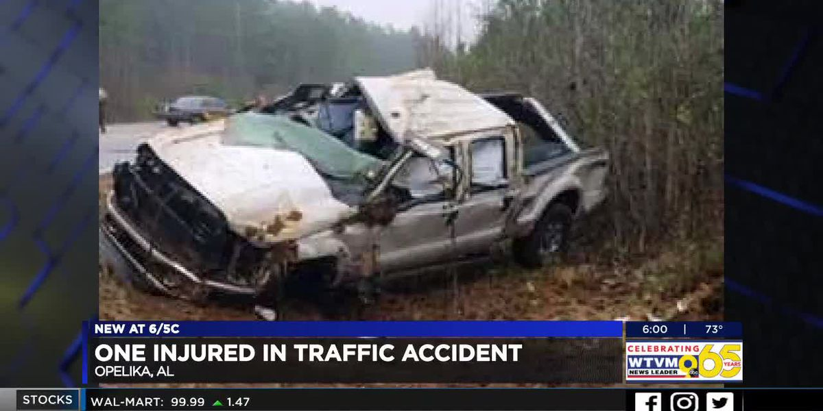 Traffic accident near Opelika leaves 1 injured