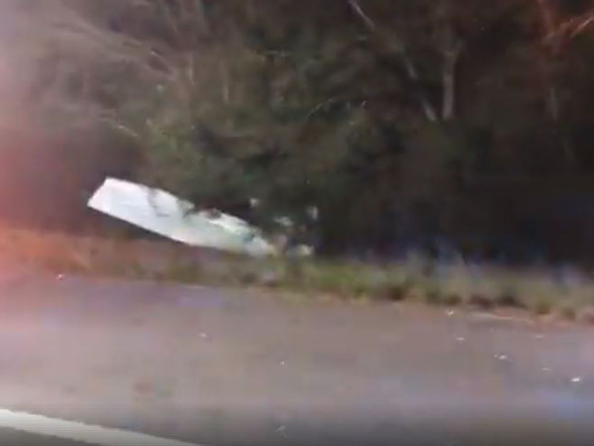 Plane carrying passengers crashes near Exit 60 in Opelika