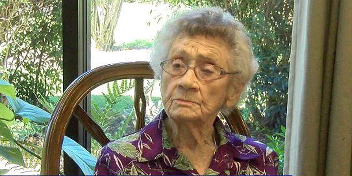 105-year-old GA woman casts for vote in presidential election