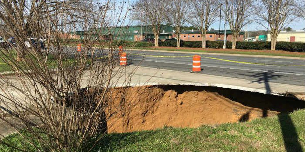 UPDATE: Victory Drive re-opened following sinkhole repairs