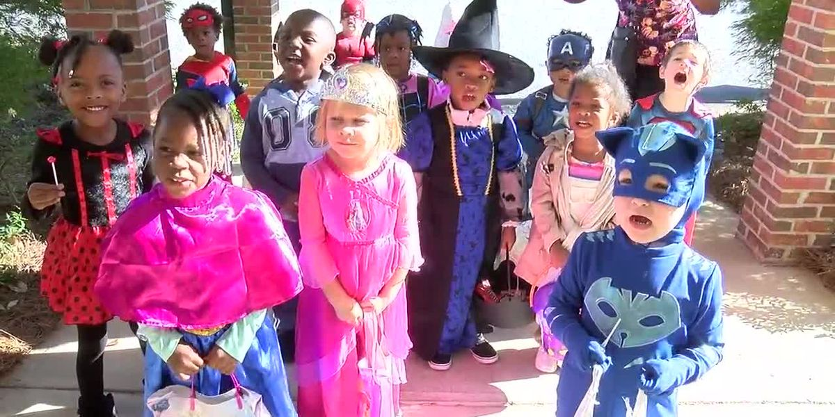 Trick-or-treaters visit Columbus Senior home