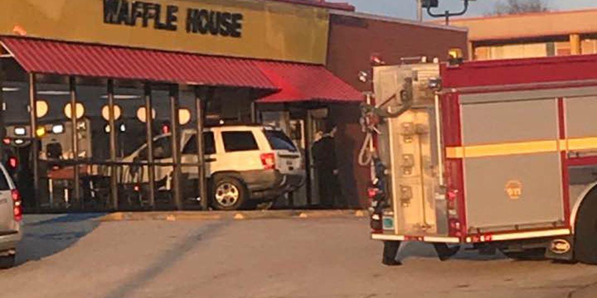 Car crashes into Opelika Waffle House