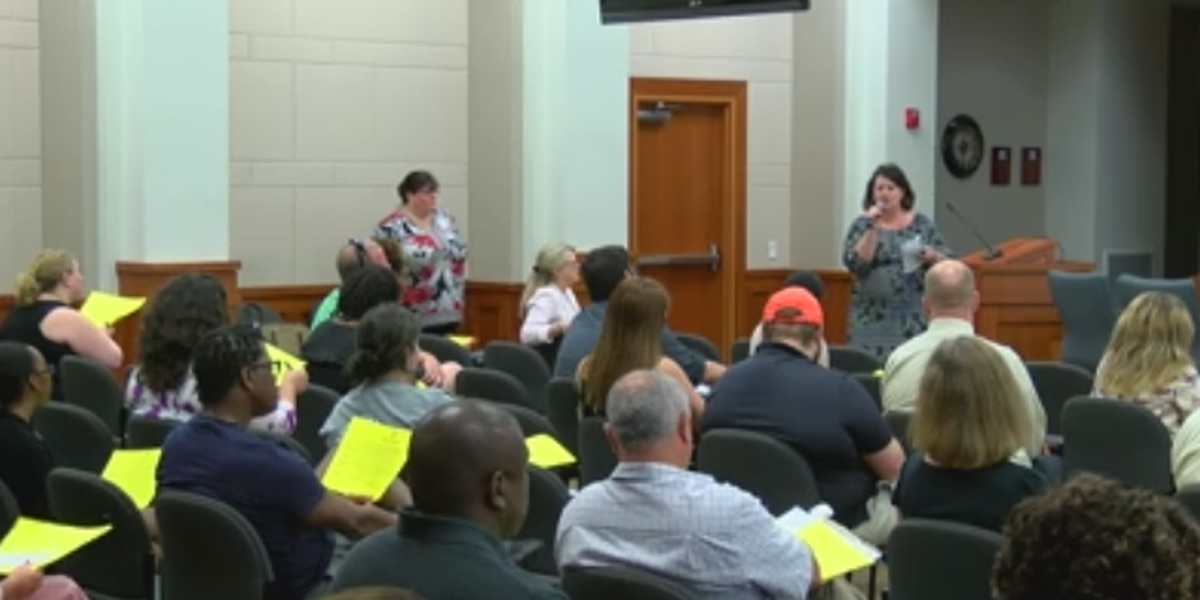 Muscogee County School District looking to fill empty positions
