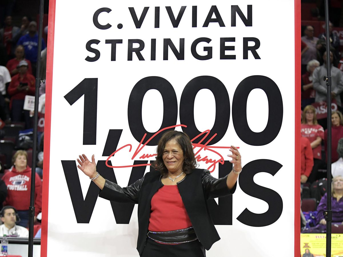 Rutgers coach Stringer joins 1,000 career win club