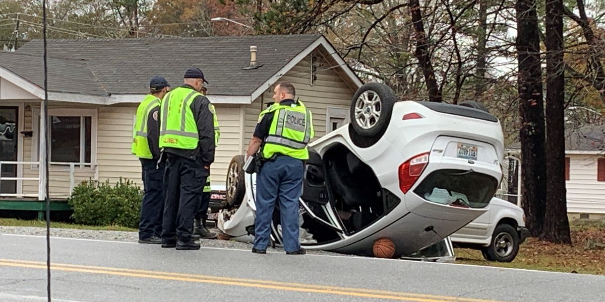 Driver charged with DUI after flipping car, blocking traffic on 54th St. in Columbus