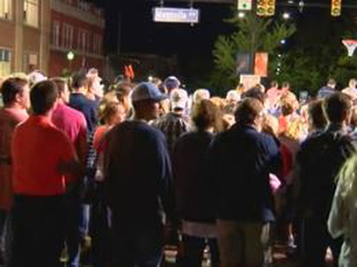 AU hosting basketball tipoff at Toomer's Corner