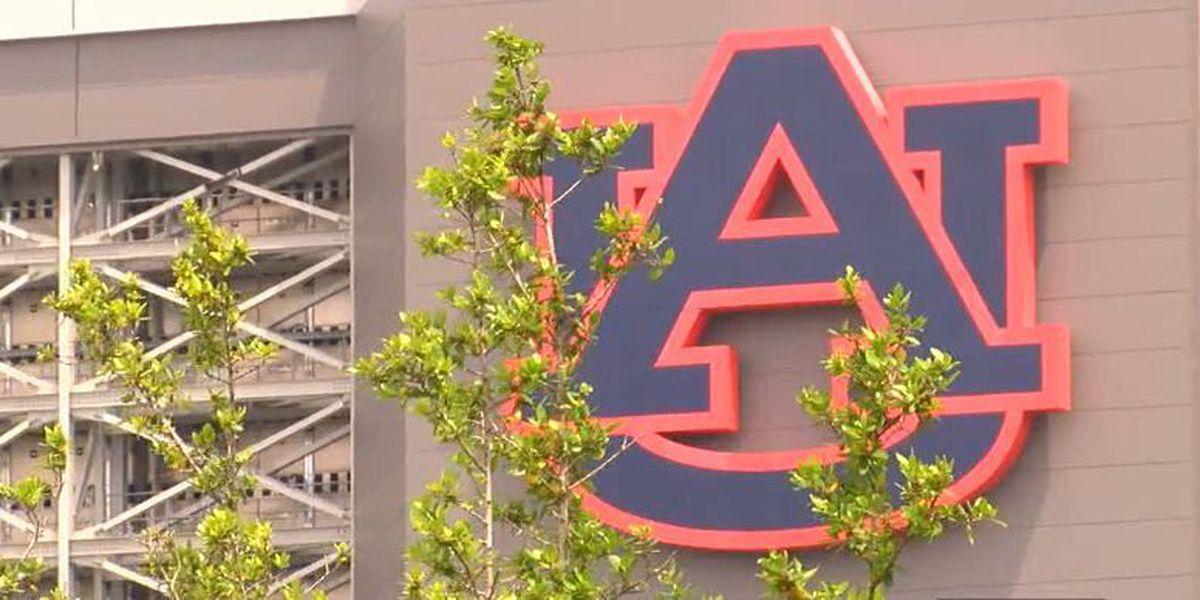 Students react to robbery at Auburn University