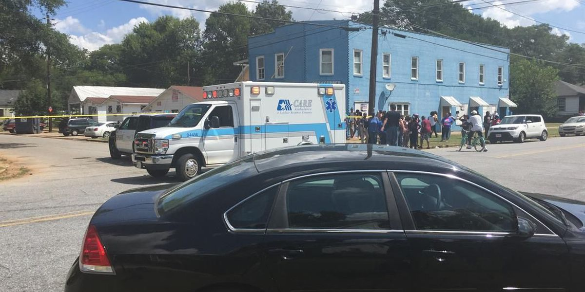 1 arrested, 1 dead in fatal 4th Avenue shooting, standoff