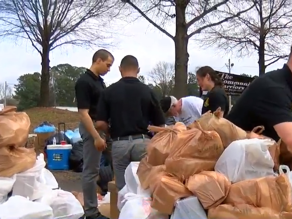 Columbus Community comes together to hand out food to those in need