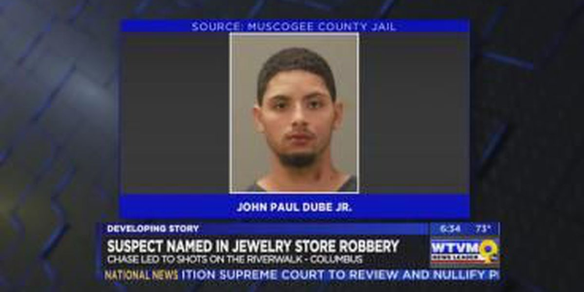 Suspect in jewelry store robbery awaits court appearance