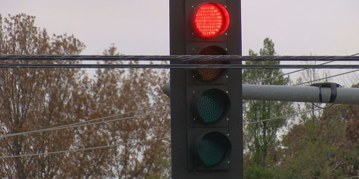 Upgrades to traffic signals underway on Interstate 85 in Opelika