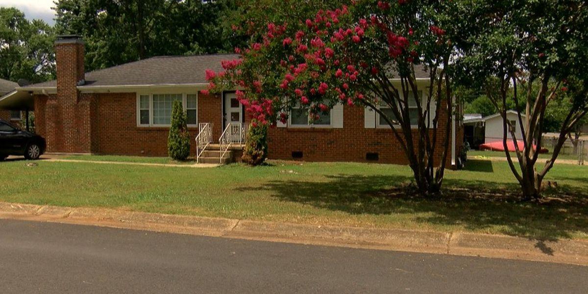 Police: Huntsville man bit off woman's pinky finger