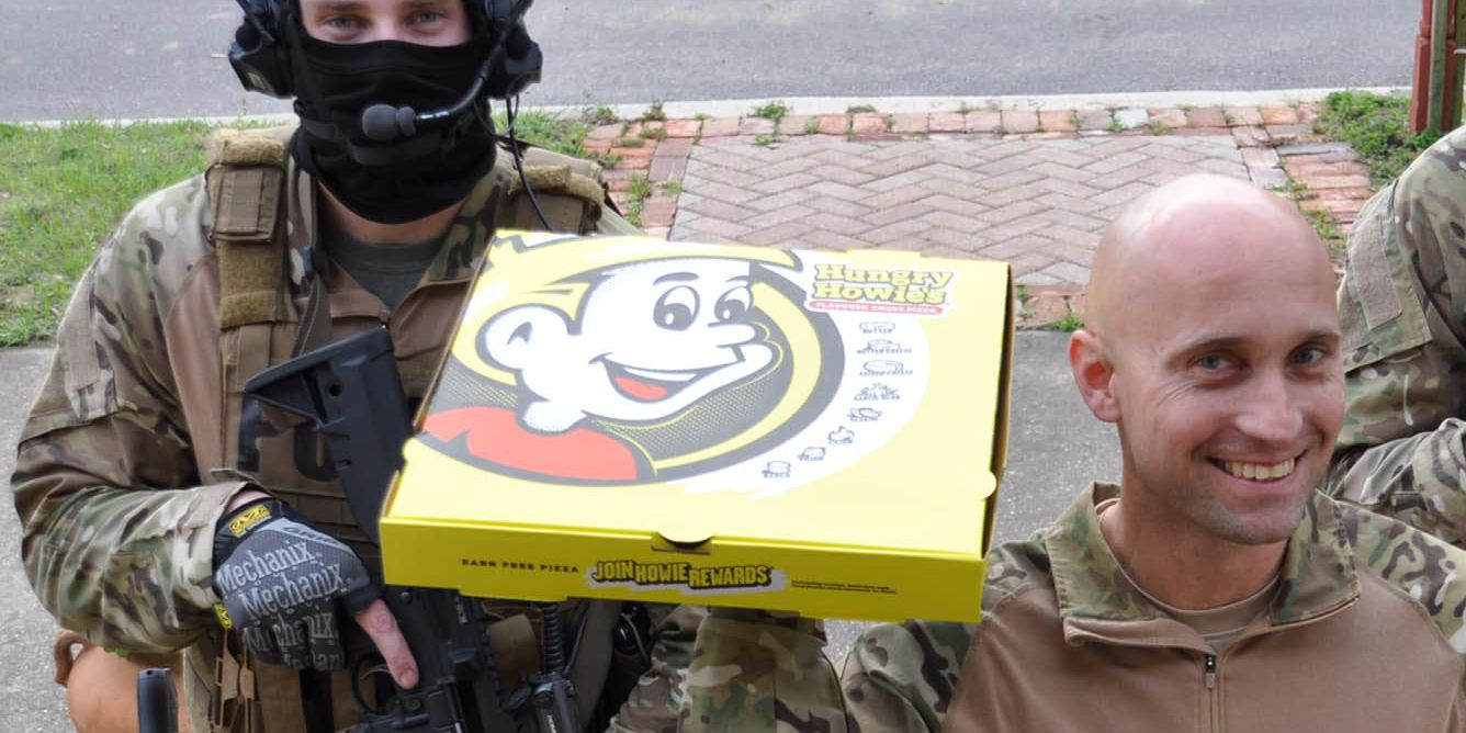 Standoff ends when police offer Florida man slice of pizza