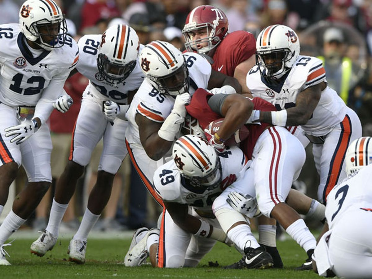 Tuscaloosa and Auburn mayors continue Iron Bowl wager tradition